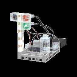 光や音のセンサーを使って信号機、地震感知器などを作ります。